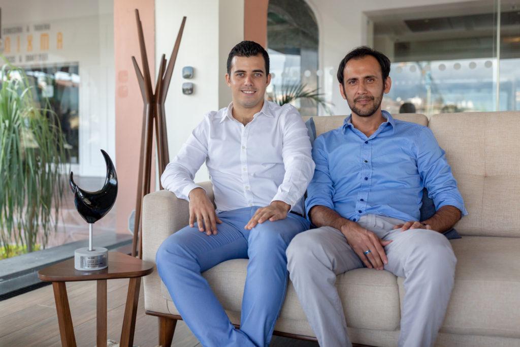 Rafael Ruelas and Abrahan Zermeño, Casa Lago: Outstanding Architectural Proposal, VREG