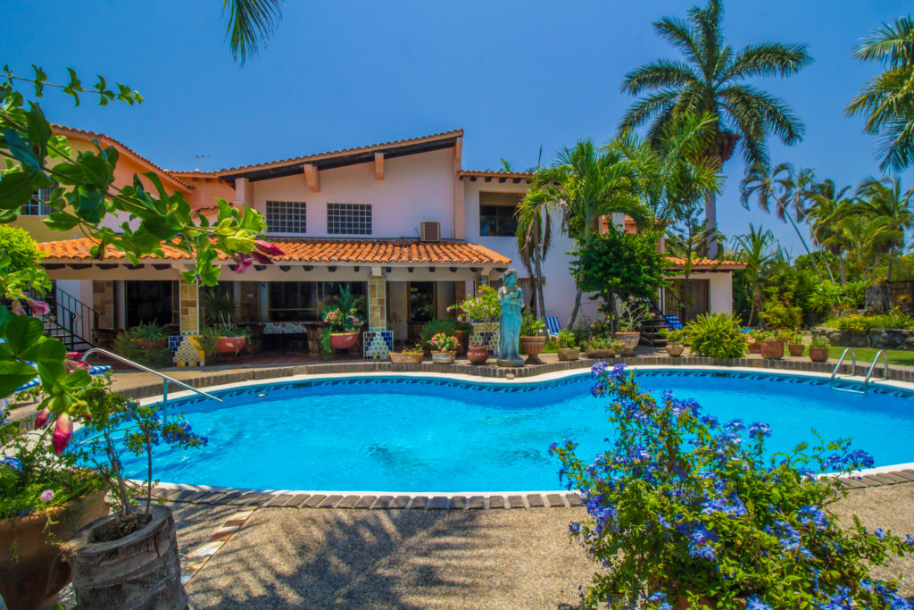 Casa Virgilio · Hotel Bed & Breakfast, Vallarta Real Estate Guide